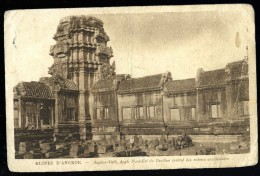 Cpa Du Cambodge  Ruines D' Angkor -- Angkor-Vath Angle Nord Est Du Pavillon Central Des Entrées Occidentales  MABT24