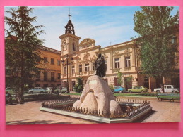 GUADALAJARA Mairie Et Monument A Généralissime Franco - Guadalajara