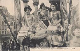 LA REINE DES REINES ET SES DEMOISELLES D'HONNEUR FETE CARNAVAL CAVALCADE COMICE PARIS CHAR ATTELAGE ? - Evénements