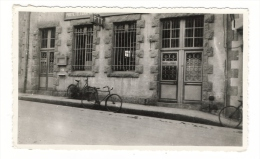 CARTE-PHOTO  D´ UN  BUREAU  DE  POSTE  (  P.T.T.  à  Localiser,  Sûrement  ÎLE  DE  FRANCE ? ) - Post