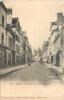 10 TROYES  RUE URBAIN IV ET EGLISE SAINT JEAN - Troyes