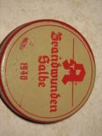 Petite Boite En Fer Allemande Datée 1940 : Crème Contre Les Brûlures BRANDWUNDEN SALBE, Diamètre 5 Cm - 1939-45