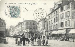 Hauts De Seine- Sèvres -La Place De La République. - Sevres