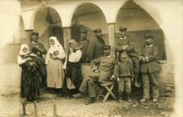 AK Serbien 1916 Militaria Soldaten Frauen Kinder 1. Welkrieg 1. WK / WW I - Serbie