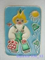 Cartoon Film Soviet: Chippollino / Old Soviet Badge USSR 250_u3274 - Disney