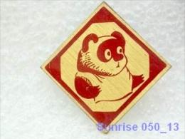 Cartoon Film Soviet: Vinnipuh And Bees / Old Soviet Badge USSR _250_u3236 - Disney