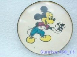 Cartoon Film Disney: Mickey Mouse / Old Soviet Badge USSR _250_d3256 - Disney