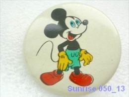 Cartoon Film Disney: Mickey Mouse / Old Soviet Badge USSR _250_d3309 - Disney
