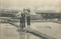 44 LE BOURG DE BATZ DANS LES MARAIS SALANTS - Batz-sur-Mer (Bourg De B.)