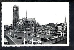 F884  Mechelen, Grote Markt En Sint Romboutstoren - Malines, Gran'Place Et Tour St. Rombaut - Auto Car Voitures - Mechelen