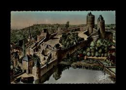 35 - FOUGERES - Le Château  - Jolis Cahets Au Verso - Fougeres