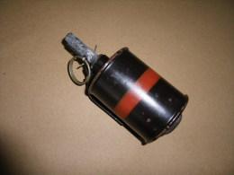 Grenade à Main RG42 Fumigène, Pays De L'Est. - Equipement
