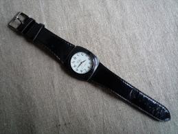 Montre Celsior A789L à Quartz , Bracelet Noir .Voir Photos. - Watches: Modern