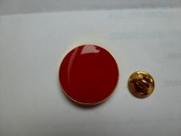 Beau Pin's Rouge , Médical ?? , Effets Du Soleil ?? - Medical