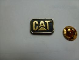 Matériel De Chantier , CAT , Caterpillar  , BTP - Pin's