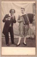 SPECTACLES - CIRQUE - MUSIQUE - 2 CLOWMS  - CLOWN BLANC JOUANT DE L'ACCORDEON CAVAGNOLO - Cirque