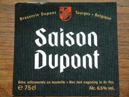 SAISON DUPONT Brasserie DUPONT Tourpes België 75 Cl. Alc. 6,5 % Vol. ( 10,5 X 9,5 Cm.) Zie Foto Voor Details ! - Bière