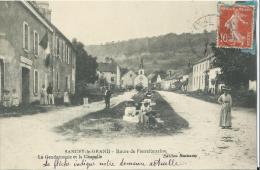 Cpa Sancey-le-grand  Route De Pierrefontaine  La Gendarmerie Et La Chapelle - Other Municipalities