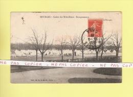 *  CPA..( Dépt 18 )..BOURGES  : Centre Des Mitrailleurs - Baraquements  -  Voir Les 2 Scans - Militaria