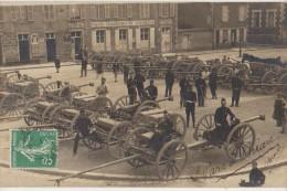 CPA PHOTO 45 BRIARE Place De L'Eglise Groupe De Soldats Militaires Canons Devant La Poste Rare - Briare