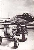 CPA - Rencontre à Orly D'un Tracteur Mc Cormick Et D'une Caravelle - 1946-....: Moderne