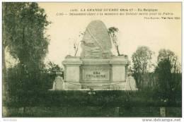 Loo - Monument élevé à La Mémoire Des Soldats Morts Pour La  Patrie - Lo-Reninge