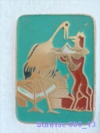 Cartoon Film Soviet: Fox And Crane Ivan Krylov Fable / Old Soviet Badge USSR 250_u3262 - Disney