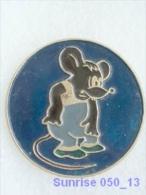 Cartoon Film Soviet: Mouse - Multfilm Cat Leopold / Old Soviet Badge USSR 250_u3252 - Disney