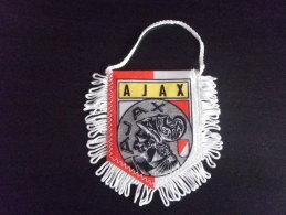 FANION - FOOTBALL - CLUB  : AJAX AMSTERDAM - PAYS BAS - Habillement, Souvenirs & Autres