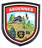AUTOCOLLANT  STICKER  ARDENNES - Aufkleber