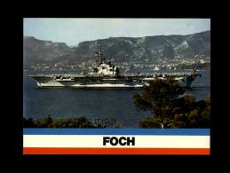 BATEAUX - PORTE-AVIONS - LE FOCH - Barche