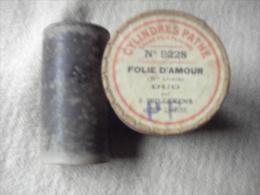 CYLINDRE PHONOGRAPHIQUE PATHE.  1900/03 (Folie D´amour Duo Par Willekens Et Léonne) N°9228 - Musique & Instruments
