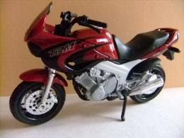 MOTO YAMAHA TDM TWIN 850 - Motos