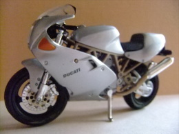 MOTO DUCATI MH 900 E - Motos