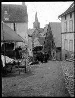 V0183 - PUY DE DOME -  LA TOUR D´AUVERGNE - Une Rue - Plaques De Verre