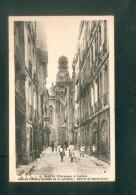 Nantes Pittoresque Et Curieux - Rue De L' Emery (ex-rue De La Juiverie ) - Beffroi De Sainte Croix ( Animée Ed. Chapeau) - Nantes