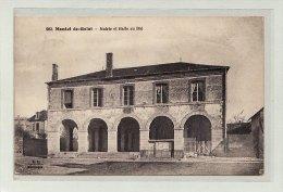 MONTEL-de-GELAT (63) / EDIFICES / Mairie Et Halle Au Blé - France