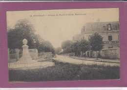 91.-  DOURDAN .-  Avenue De Paris Et Ecole Superieure - Dourdan