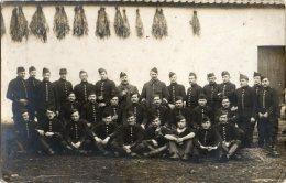 SAINTE-MENEHOULD (Marne 51) - Militaires Du 6e Régiment De Cuirassiers En Manoeuvres - Carte-photo. - Sainte-Menehould