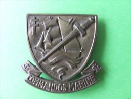 INSIGNE DE BERET METALLIQUE - Marine