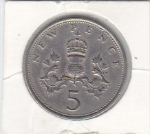 5 NEW PENCE Copper Nickel 1969 - 5 Pence & 5 New Pence