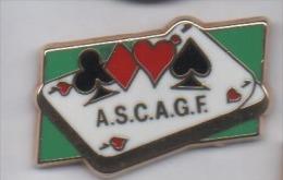 Superbe Pin´s En Zamac , ASC AGF , Assurance Mutuelle AGF , Jeu De Cartes - Associations