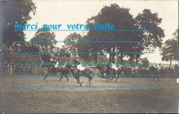 Cpp 14 DEAUVILLE Hippodrome Champ Course De Chevaux Jocket Tribune ( Mode Chapeaux Militaire ) Cliché H GAUTIER DANGE 86 - Deauville