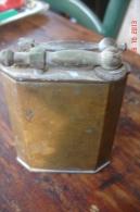 Briquet De Table Cuivre Manque Mèche Et Vis Réservoir . H Totale: 15,5 ,plié:10,5 Pans Coupés Années 1920 - Autres