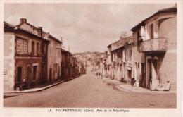Cpa VIC FEZENSAC, Rue De La République   (23.20) - Vic-Fezensac