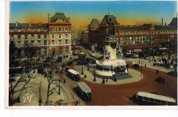 PARIS  -Place De La République -  3 AUTOBUS - Cpsm Couleurs - Paris Et Ses Merveilles - Transport Urbain En Surface