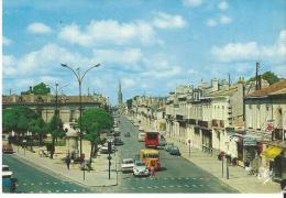 33 Borbeaux La Place Nansouty Le Cours De L´yser Et La Fleche St Michel Ses Vieux Vehicules Animée - Bordeaux