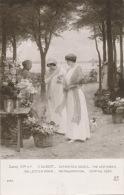 """FEMMES - FRAU - LADY - TABLEAUX - SALON DE PARIS 1914 - """"Dernières Roses"""" - Par V. GILBERT (fleuriste Femmes Avec Chien - Women"""
