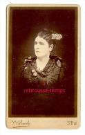 CDV Vers 1890-portrait Femme-coiffure étudiée, Beau Corsage-photo Veuve Baudy à Saint Dié Des Vosges - Photographs
