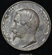 M00048 Palais De L´industrie , Médaille De L´exposition Universelle De 1855 Et Napoléon III Au Revers (40 Gr.) - Royal / Of Nobility